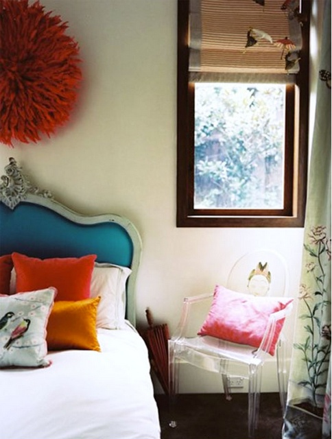 : Bedrooms Decoration, Color Schemes, Color Combos, Acrylics Chairs, Ghosts Chairs, Juju Hats, Upholstered Headboards, Bright Pillows, Blue Headboards