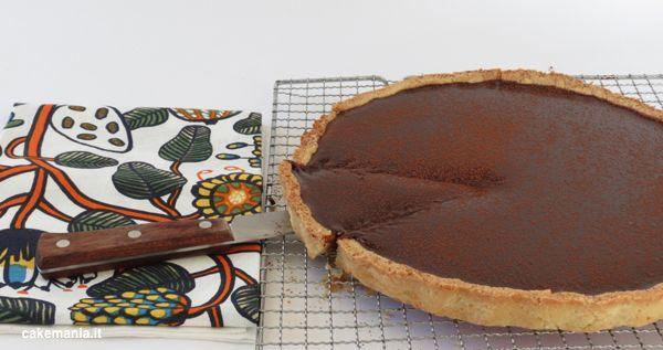 Questa è la ricetta della crostata al cioccolato più buona e facile del mondo. Punto. Pochi ingredienti, spiegata in ogni dettaglio: provatela SUBITO!
