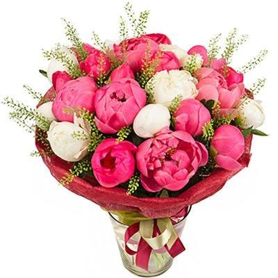 Букет из 21 розово-белого пиона с бесплатной доставкой в Москве http://www.dostavka-tsvetov.com/cena/21-pion
