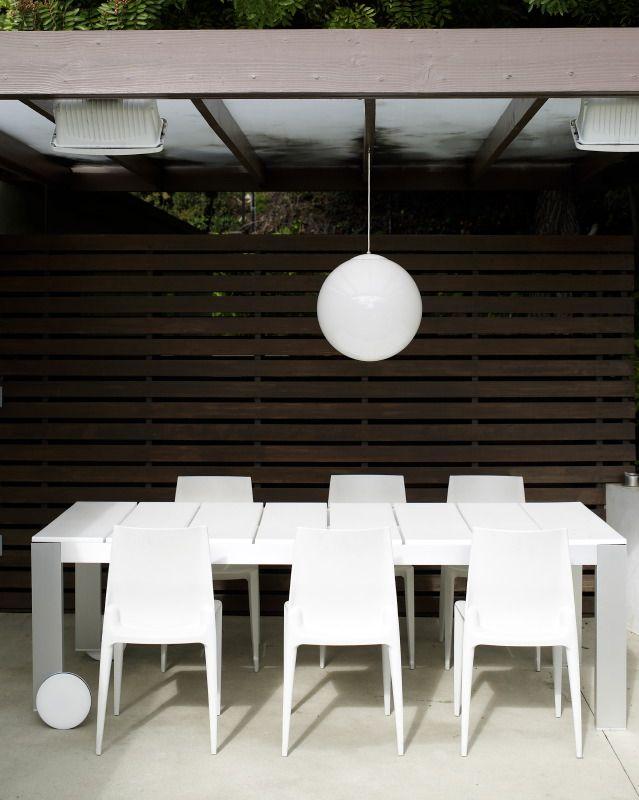 modern outdoor furniture-