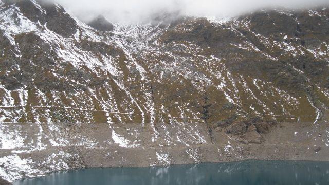 Il Lago Baitone e i versanti del Monte Bombiano, nel cuore della principale area di distribuzione dello Stambecco delle Alpi nel Parco dell'Adamello (www.uomoeterritoriopronatura.it)