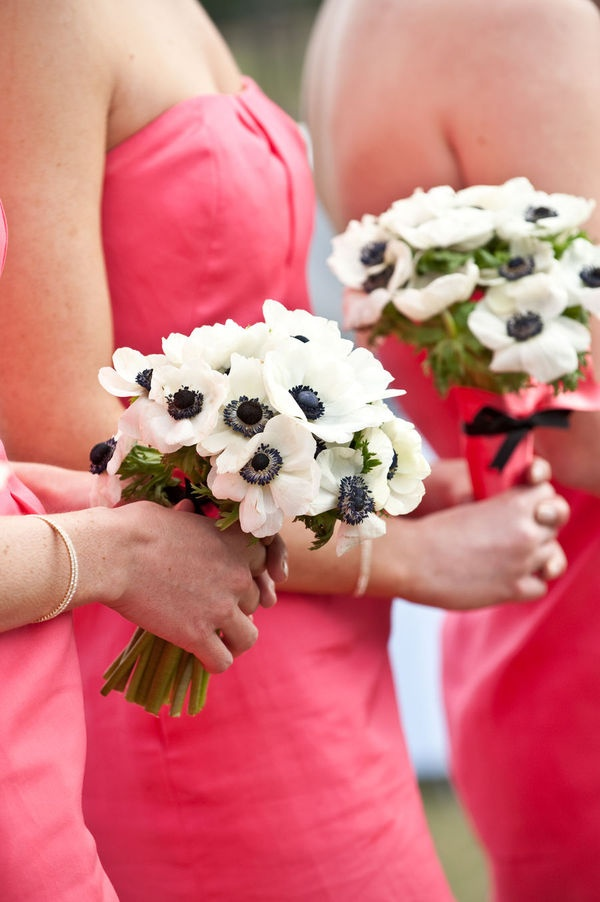 Coral bridesmaids, white and blue poppies :)