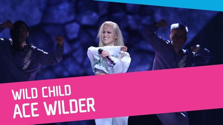 Ace Wilder sjunger Wild Child i Melodifestivalen 2017.