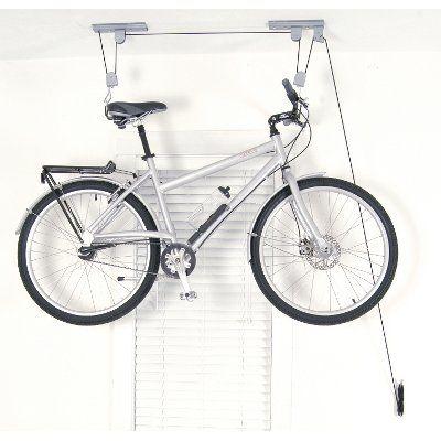 Support de vélo pour plafond trouvé sur lecyclo.com http://www.lecyclo.com/velo/confort/range-velo/mur-et-plafond/support-de-velo-pour-plafond.html