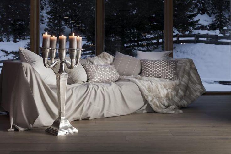Viele Decken und Polster laden vor allem im Winter zum entspannen ein.  Fotocredits: FINE