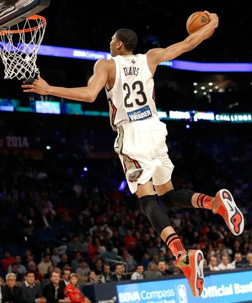 Team Webber's Anthony Davis of the New Orleans Pelicans heads to the basket. (Gerald Herbert/AP)