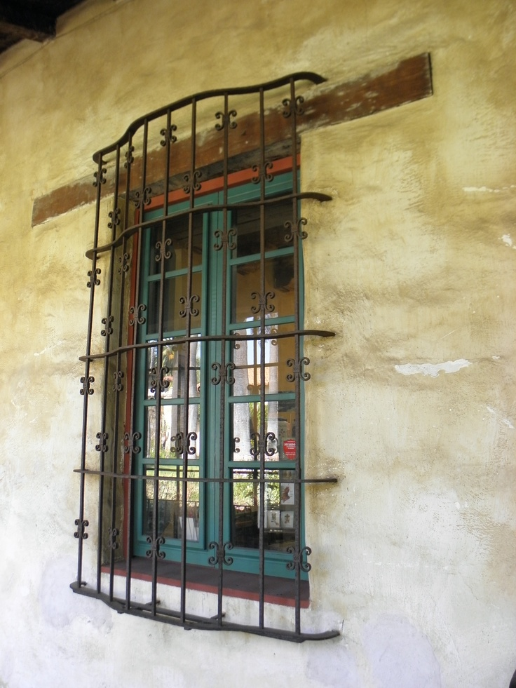 Balcony Window Grill Design: 1000+ Images About Iron Balcony On Pinterest