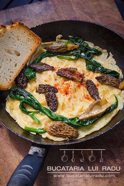 Omleta cu zbarciogi si leurda, omleta cu leurda si ciuperci de padure. #bucatarialuiradu