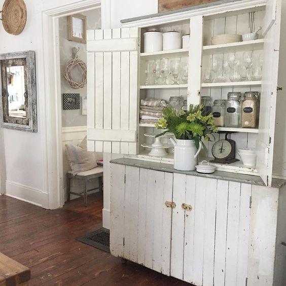 Primitive cupboard displays farmhouse finds kellyelko.com