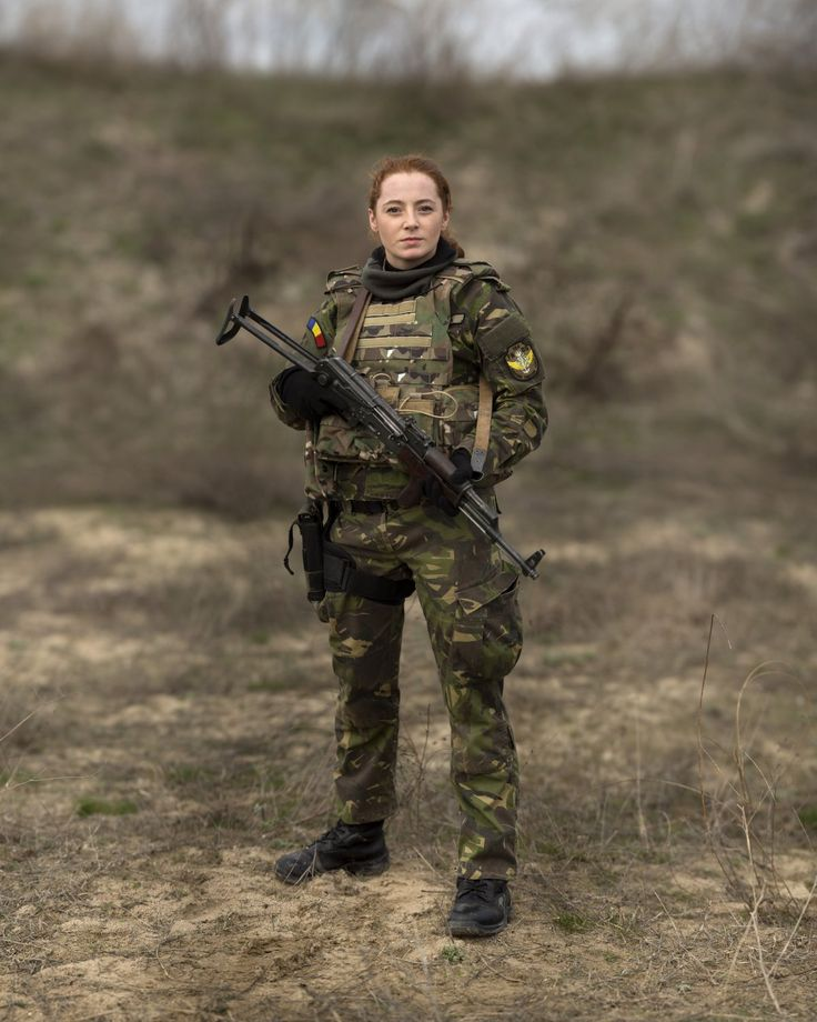 49 best WOMEN-Military images on Pinterest Female soldier