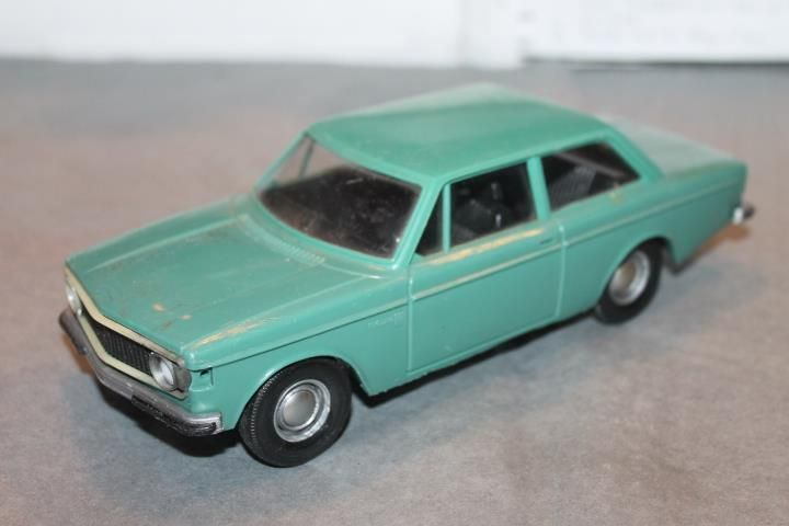 Plastbil  Finland Volvo 140 1973 grön