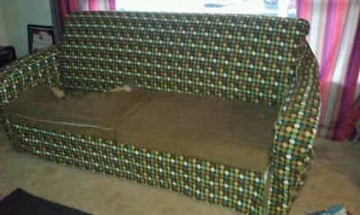 THIS IS THE ONE I WILL USE FOR MY COUCHES! DIY Slipcover for Couch with Sizing Chart
