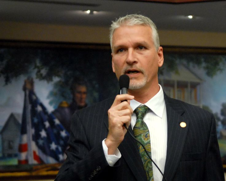 The federal government is run by a despotic regime that dictates laws and hands down rulings wholly incongruous with the vision laid out by America's Founding Fathers, say two Florida lawmakers. According tostate Sen. Keith Perry — a Republican who represents Alachua, Putnam, and portions of Marion Counties — and Rep. Julio Gonzalez, a Venice Republican, the regime now running the United...