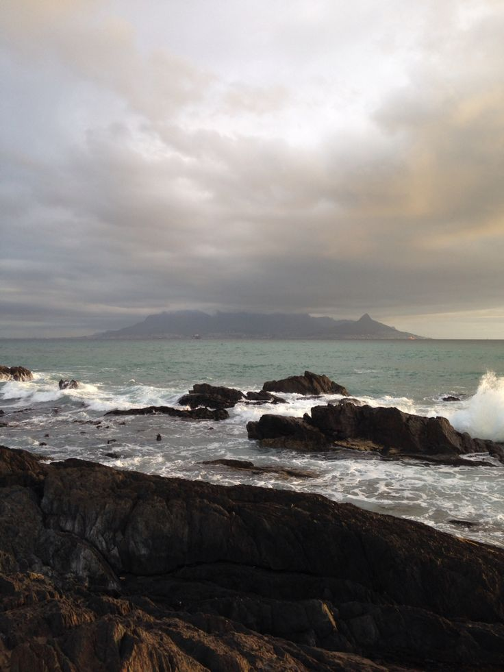 Table Mountain seen from Bloubergstrand