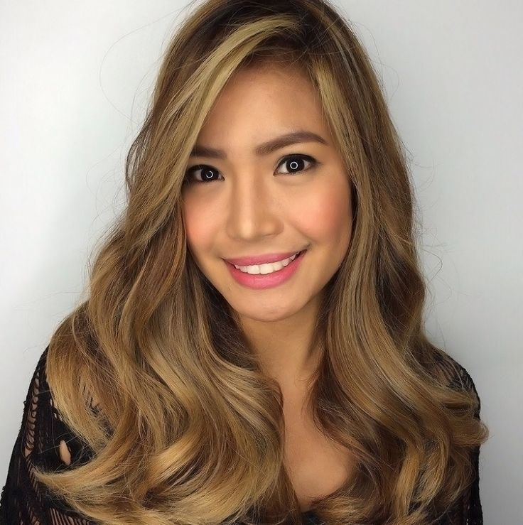 Digital perm is the latest fad in women's hairstyles. The trend-setting digi-perm hairdos are generally characterized by a wavy or playfully bouncy hair.
