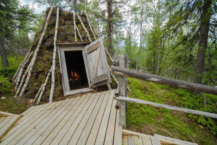 Peat goahti 3. Image by Kimmo Hyötylä.