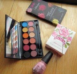 #Paleta Sleek + #Pintaunas China Glaze + #Jabon Rosa de Bulgaría ^_^ http://www.pintalabios.info/es/sorteos_de_moda/view/es/3420 #ESP #Sorteo #Maquillaje
