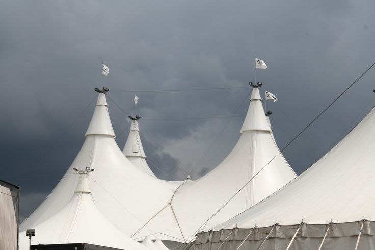 The big tops at Cavalia were the largest tents to be erected for a travelling show in Canada. They housed the almost 90 horses of Cavalia, a Cirque Du Soleil production that showcased the deep connection between humans and horses. A true spectacle of partnership! #cavalia #horsesmouthtv #horse #equus #bigtop