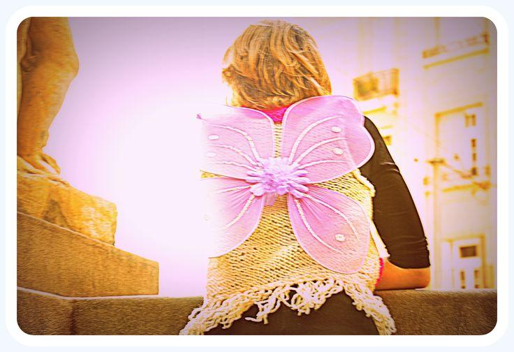 chaleco de lana, cuello tejido al crochet y flecos