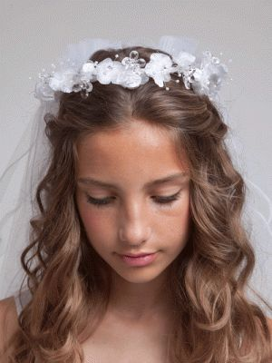 - Perfect match with any of our communion dresses. - Made out of organza and satin. - One size fits all. - Item:V85