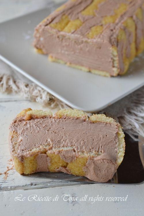 Torta pavesini e cioccolato,una torta fredda con una deliziosa mousse senza colla di pesce o gelatina,un dolce al cucchiaio fresco e goloso