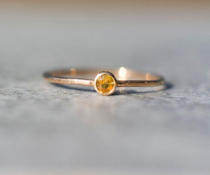 Goldringe - Gelb Saphir 14k Goldring, im September birth  - ein Designerstück von arpelc bei DaWanda
