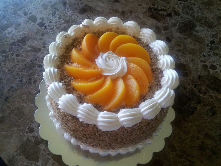 Flan cake with peaches and pecans