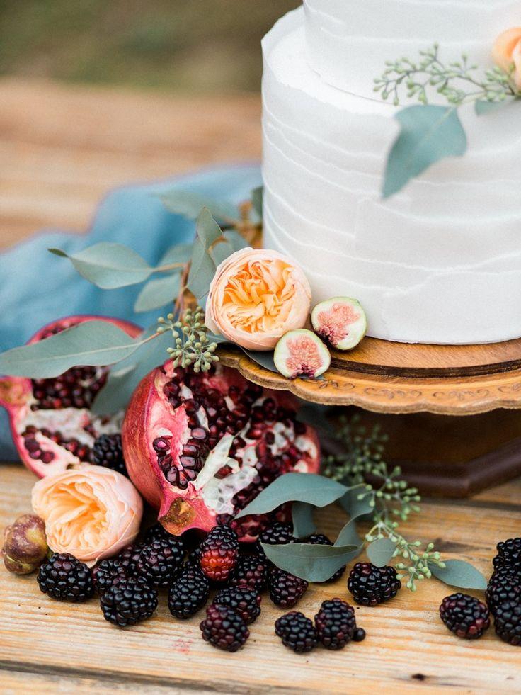 Rustic Romantic Winter Wedding Cake Ideas