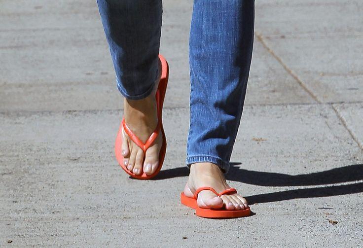 pics.wikifeet.com Jennifer-Garner-Feet-782899.jpg