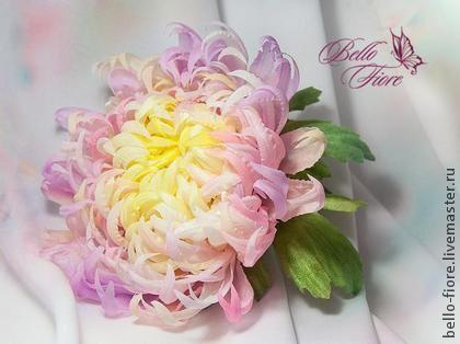 "Brooch handmade. Fair Masters - Chrysanthemum Brooch handmade silk ""Lilas leger voile"". Silk flowers .. Handmade."