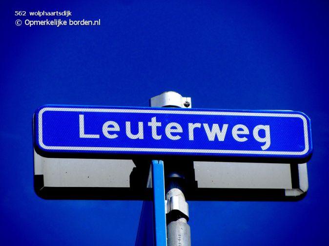 Opmerkelijke borden . nl - 2. Vreemde straat- en plaatsnamen