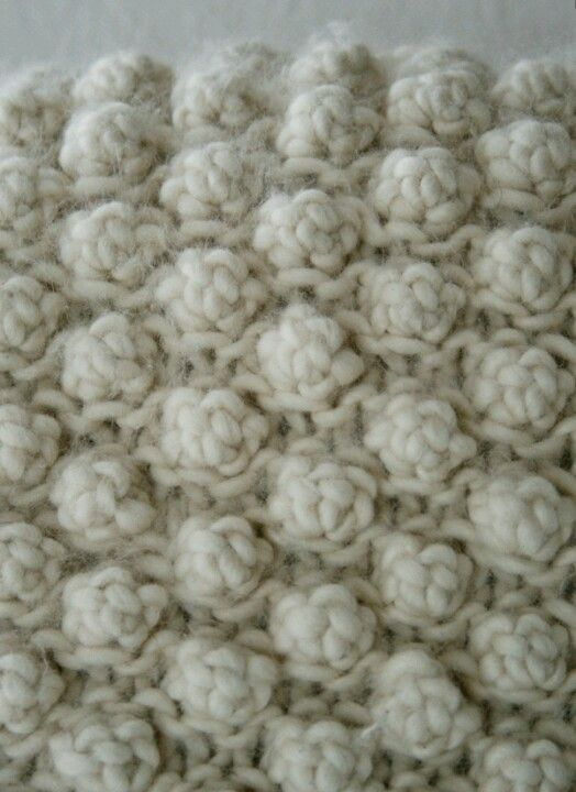 How to knit a 5 stitch bobble...excellent picture tutorial...on www.purlbee.com