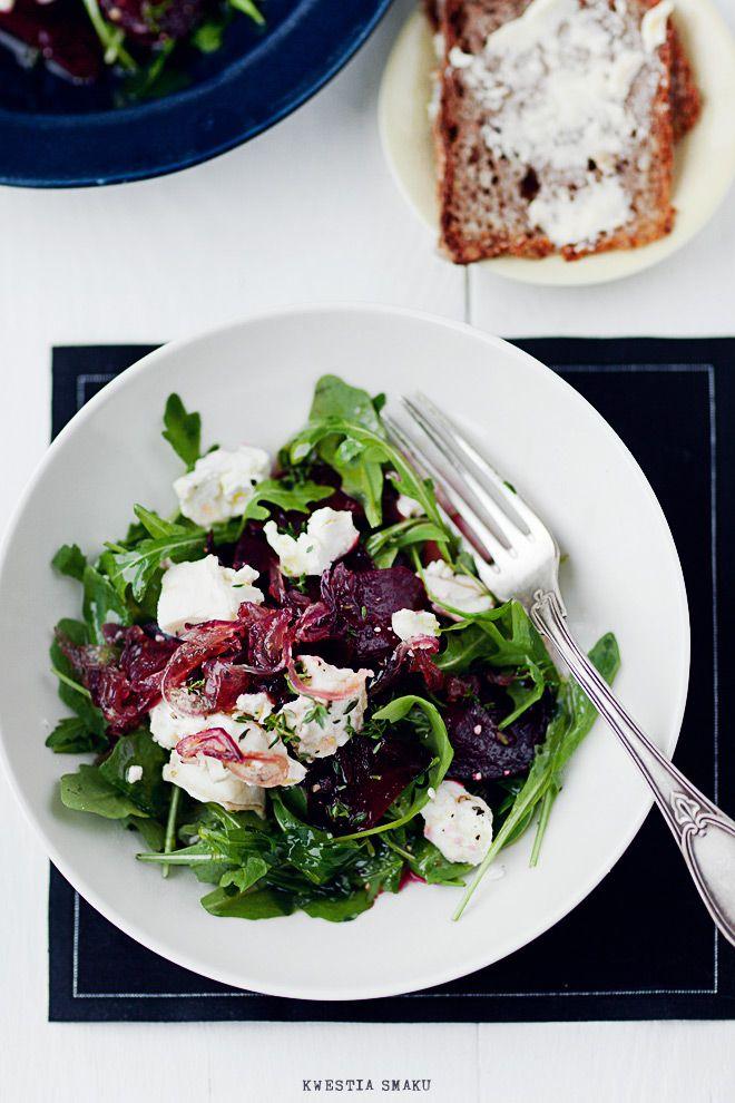 Sałatka z pieczonymi buraczkami i kozim serem - Przepis