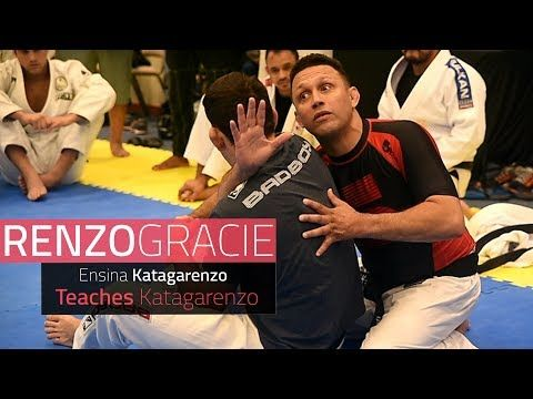 https://www.youtube.com/watch?v=Ud0CjfuF4Ms http://gallerr.com/academy During a seminar at Florianopolis, Brazil Renzo Gracie teaches how he likes to adjust a very particular choke (a katagatame variation). He's lucky enough to have no other than UFC ace Demian Maia to help him... Jitseasy