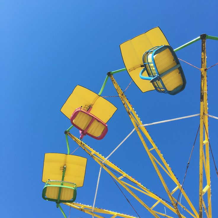 Ferris wheel! https://www.instagram.com/katritamminen/