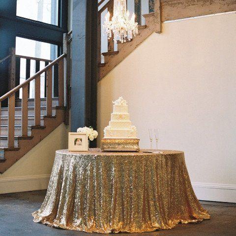 Tafelkleed goud met pailletten 305 cm