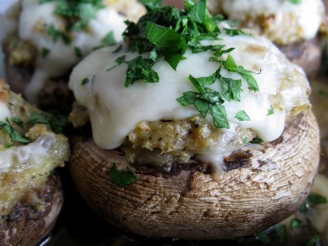 Three Cheese Stuffed Mushrooms: Yummy Veggies, Recipes Appetizers, Stuffed Mushrooms Cap, Food Veggies, Mushrooms Kicks, Cheese Stuffed Mushrooms