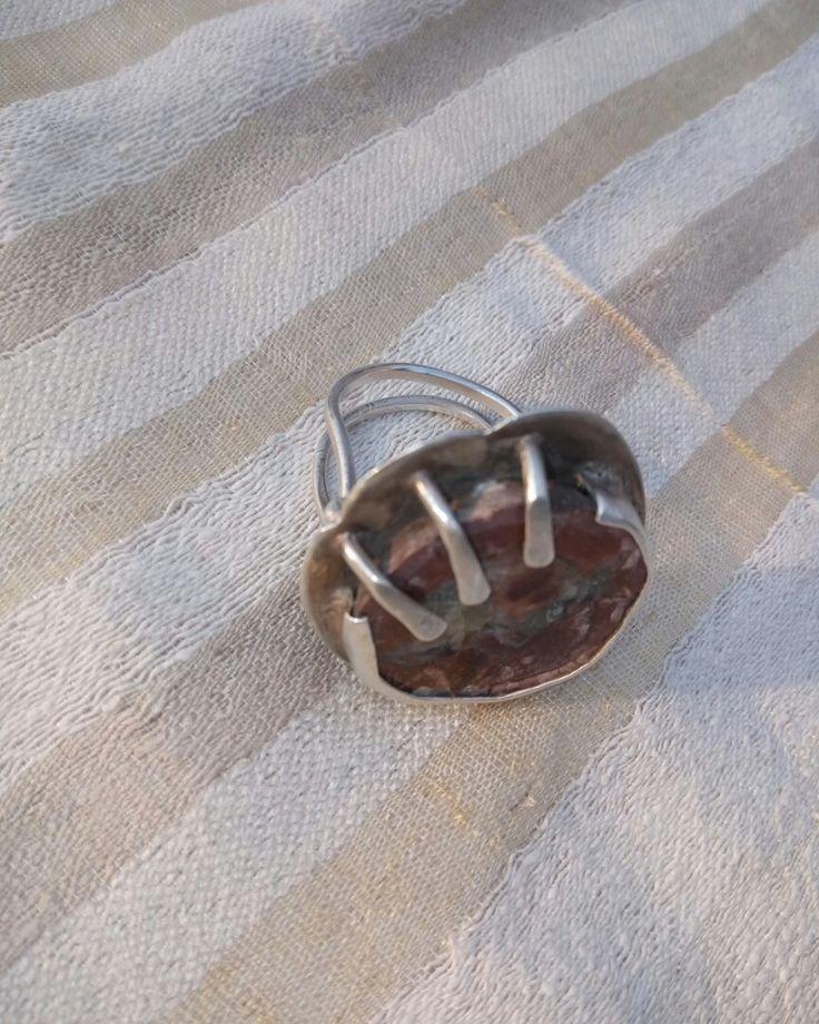 El yapımı gümüş takılar