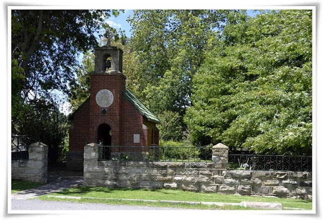 The 'smallest' Roman Catholic church in the world: Van Reenen's pass: SOUTH AFRICA