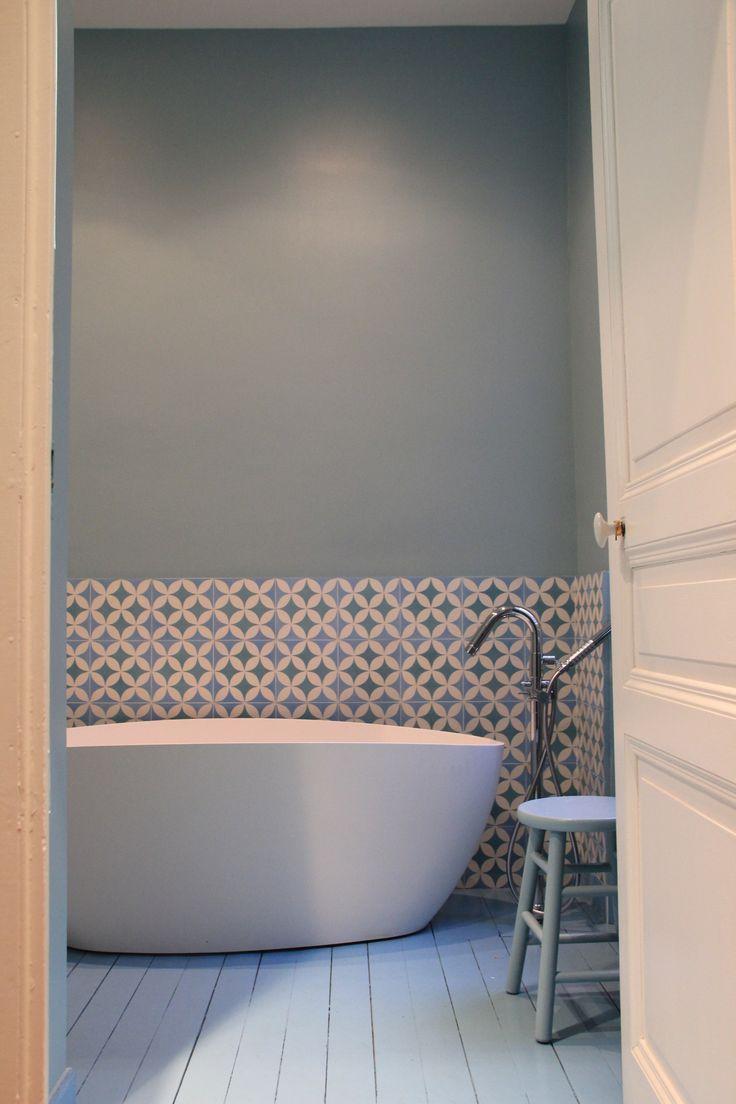 mur de SDB bleu grisé