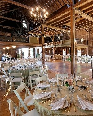 21 Unique Wedding Locations that Connecticut Wedding Experts Love from #weddingreports! http://www.weddingreports.com/top-unique-wedding-locations-in-connecticut/