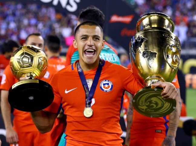 Arsenals Alexis Sanchez posts photo of insanely swollen ankle after Copa America win [Instagram]