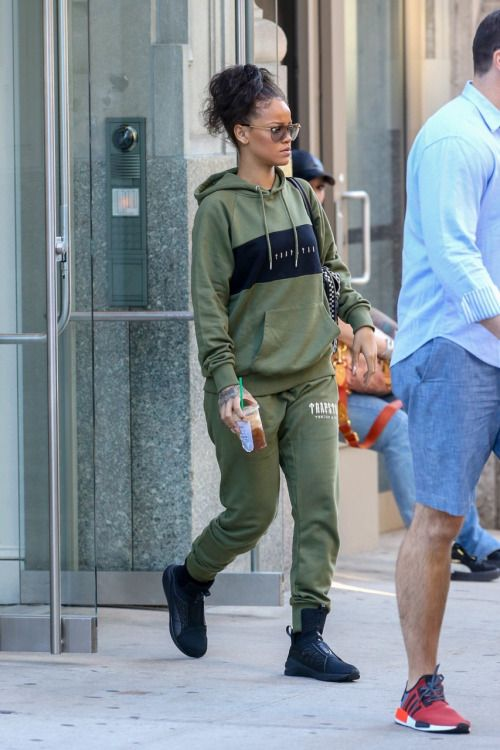 25+ best ideas about Rihanna outfits on Pinterest | Rihanna street style Rihanna looks and ...