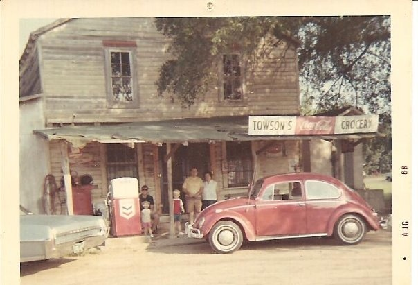 Back when country grocery stores were a great place to get an RC Cola and a MoonPie. ~ Towson's Grocery in Mystic, GA.