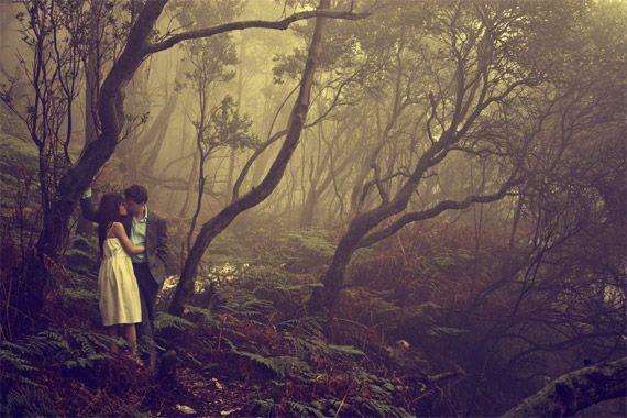 Beautifully Romantic Engagement Photo Ideas - Glam Bistro