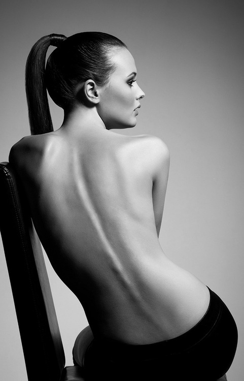 Inga vishnyakova black and white nude