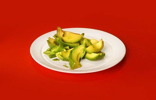 Avokadoa syömällä voi suojata ihoa ja silmiä pitkälle tulevaisuuteen.