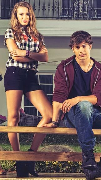 serenay sarkaya ve aatay ulusoy medcezir please follow me,thank you i will refollow you later
