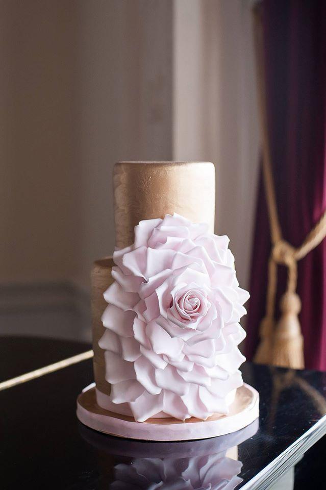 wedding cake idea; via Anna Elizabeth's Cake Emporium