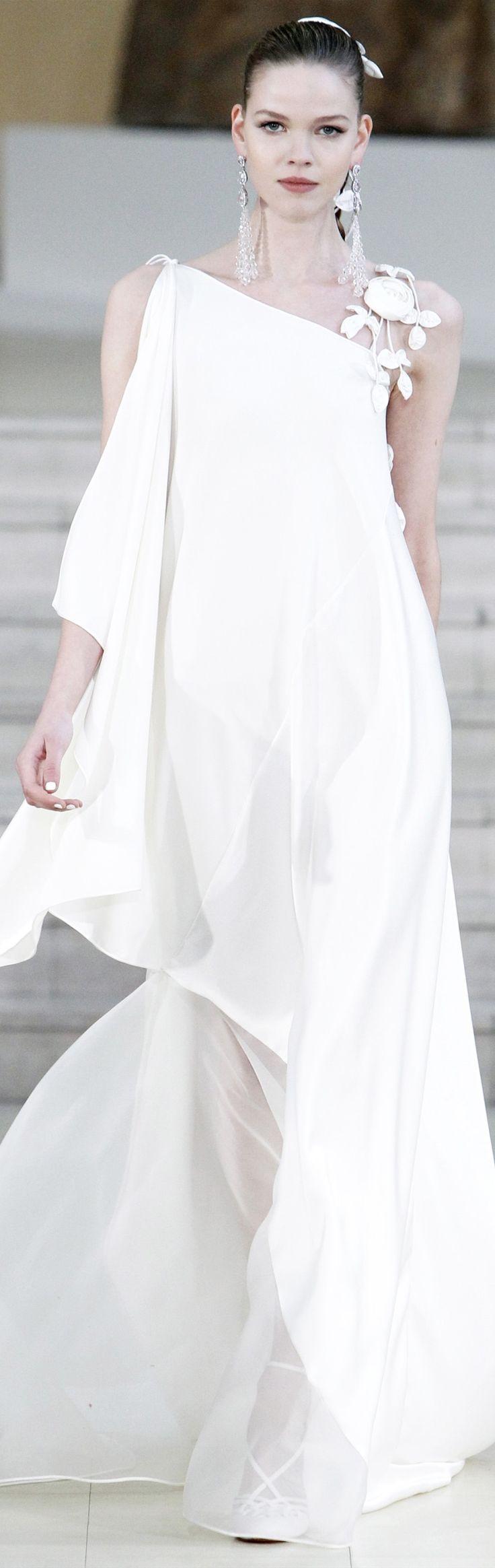 Alexis Mabille • WHITE • нαυтє • CHIC • ❤️ Babz™ ✿ιиѕριяαтισи❀ #abbigliamento